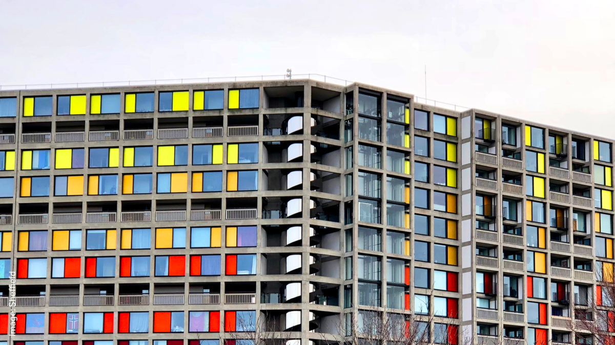 Park Hill Flats Sheffield: Mid 20th century concrete flats with color blocks of decoration